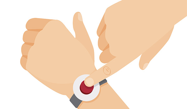 La téléassistance pour un individu âgé est utile pour se déplacer à nouveau sans trop de peur avec un bouton d'alarme.