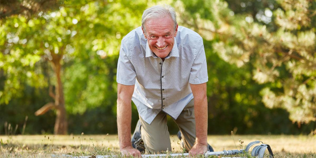 Saviez-vous que 20 % des personnes âgées vont chuter : aidez-les en réduisant les risques de blessures sévères.