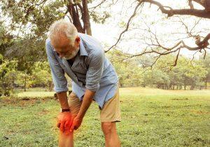 personne agee chutes maladies chroniques